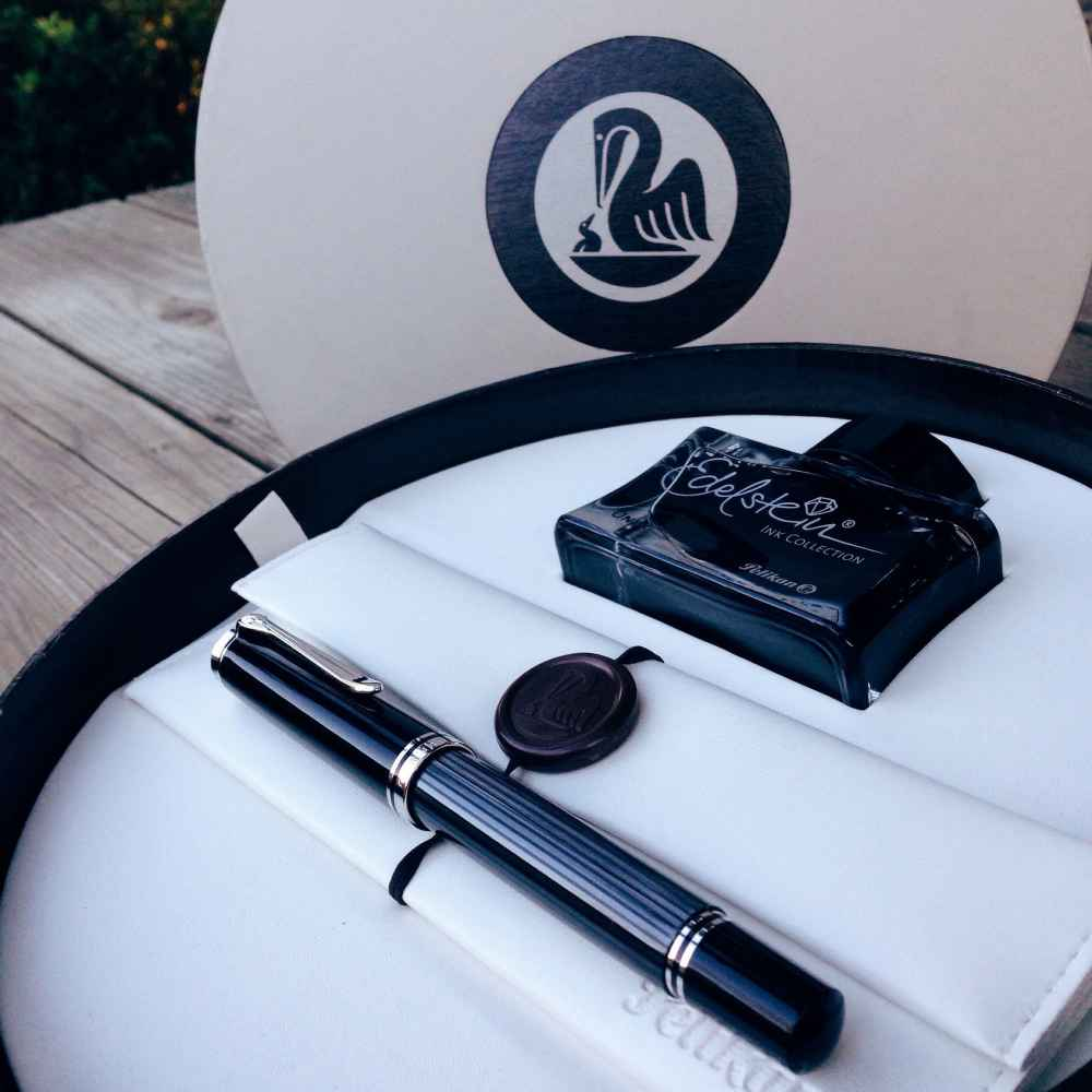 Pelikan box with M805 Stresemann and Pelikan Edelstein Onyx Ink Bottle