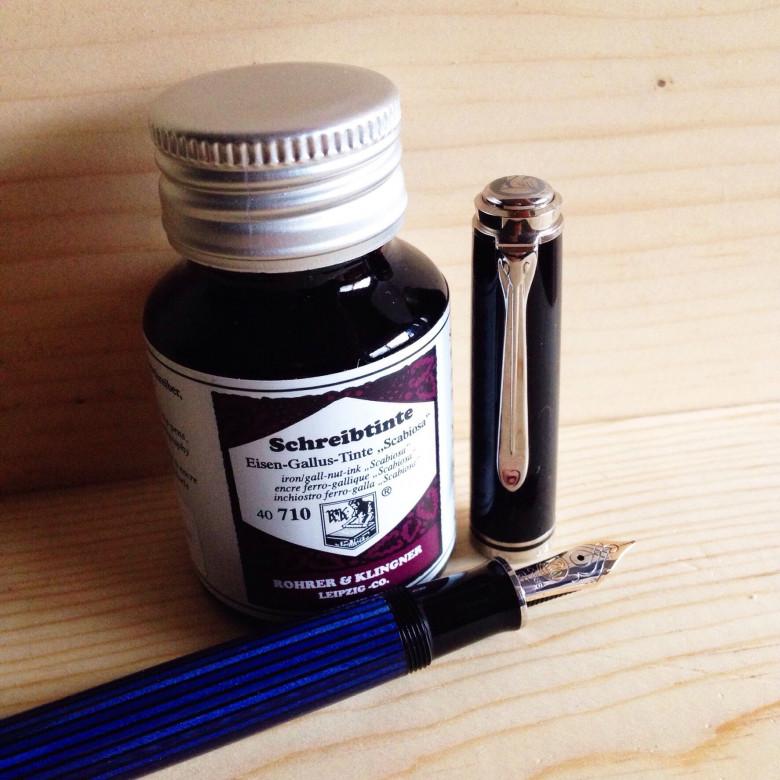 Black-Blue Pelikan M605 (0.7mm Stub) filled with Rohrer & Klingner Scabiosa