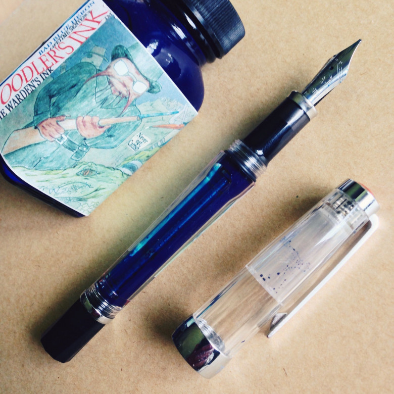 Clear TWSBI Vac 700 (IB) filled with Noodler's Bad Blue Heron