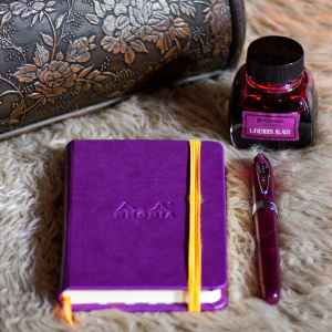 King Philip Purple Noodler's Ahab (IF) filled with Platinum Classic Lavender Black