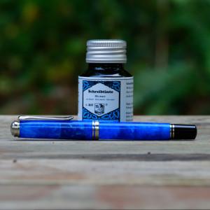 Blue Pelikan M805 (0.5mm CI) filled with Rohrer & Klingner Blu Mare