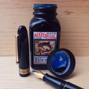Black Italix Parson's Essential 0.65mm CI filled with Noodler's Navy