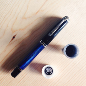 Black-Blue Pelikan M605 (0.7mm Stub) filled with Akkerman #29 Hofvijver Gris