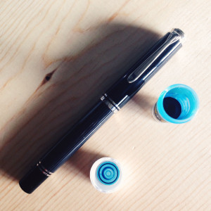 Anthracite Pelikan M805 0.5mm CI filled with Akkerman #11 Trêves Turquoise